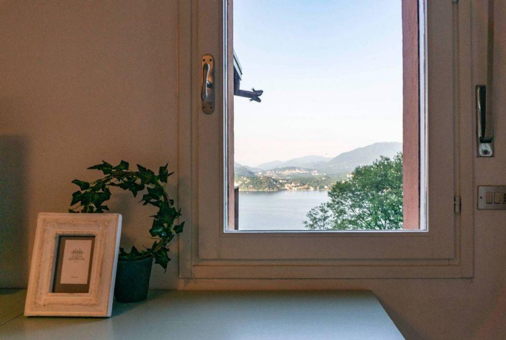 Appartamento monolocale con vista incantevole del lago sulla prima collina di Belgirate