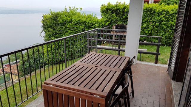 Appartamento bilocale con spettacolare vista lago, immerso nel verde con giardino in Belgirate