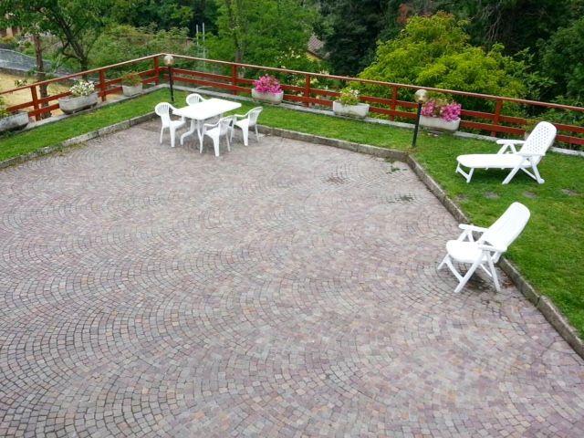 Baveno casa indipendente 4 camere con giardino e garage
