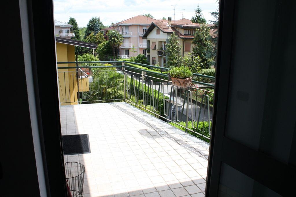 Lussuoso appartamento in palazzina signorile in centro Arona a soli 100 mt. dal Lago Maggiore