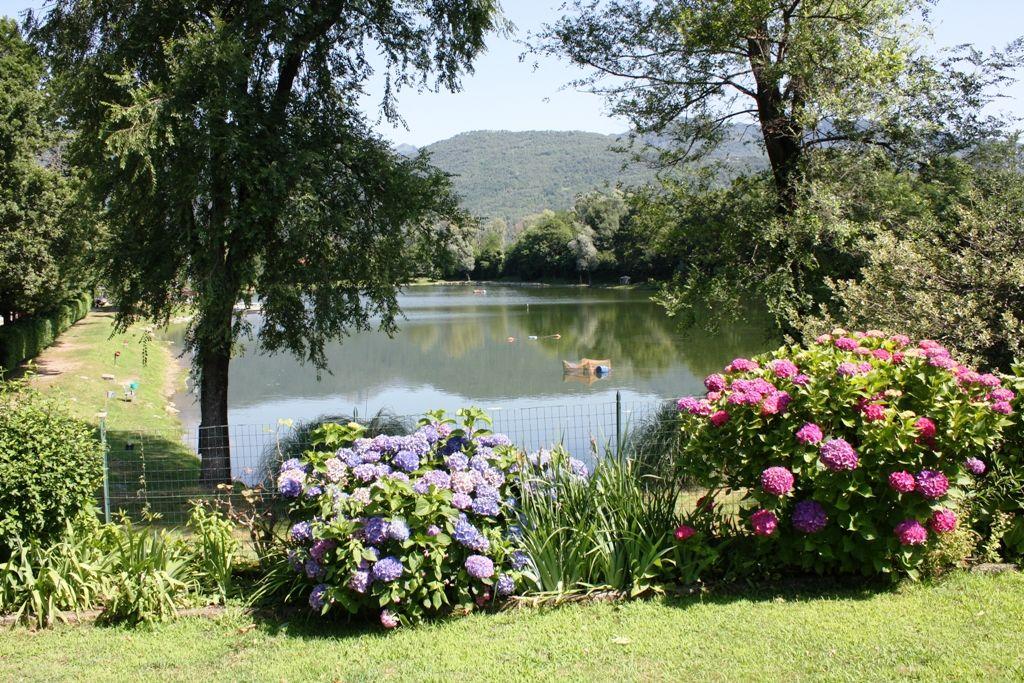 Villino libero su tre lati affacciato sul laghetto dei sogni a Baveno