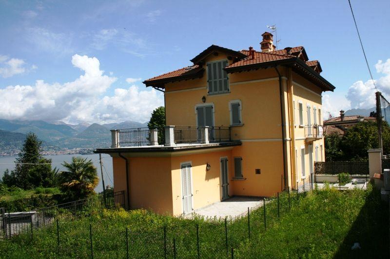 Stresa appartamento mansardato in villa d'epoca vista lago di nuova ristrutturazione