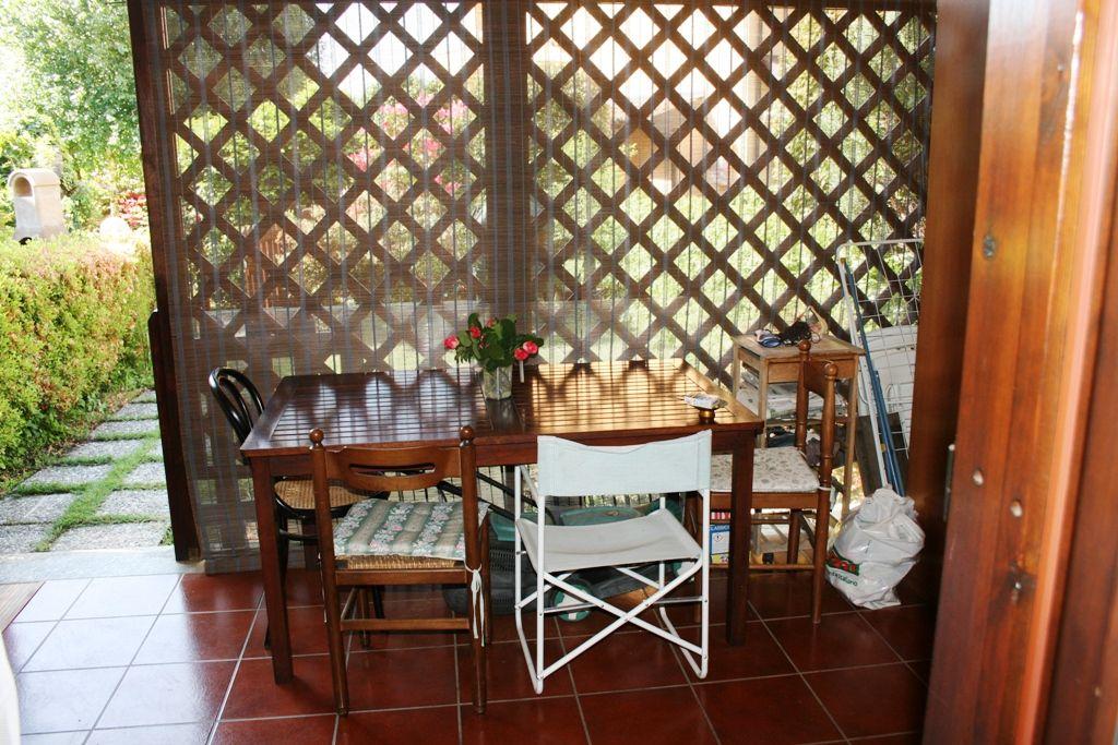 Appartamento  in piccolo residence con giardino vicino alle spiagge a Lesa