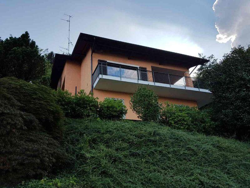 Villa indipendente a Baveno recentemente ristrutturata con splendida vista Lago Maggiore