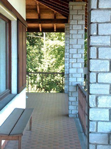 Alture Stresa casa vista lago 5 camere con giardino e garage