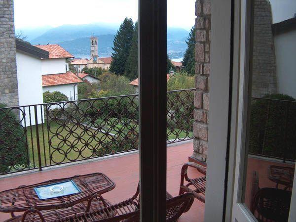 Alture Stresa casa vista lago 3 camere con giardino e garage