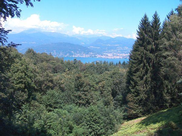 Alture Stresa villa vista lago 450mq con giardino