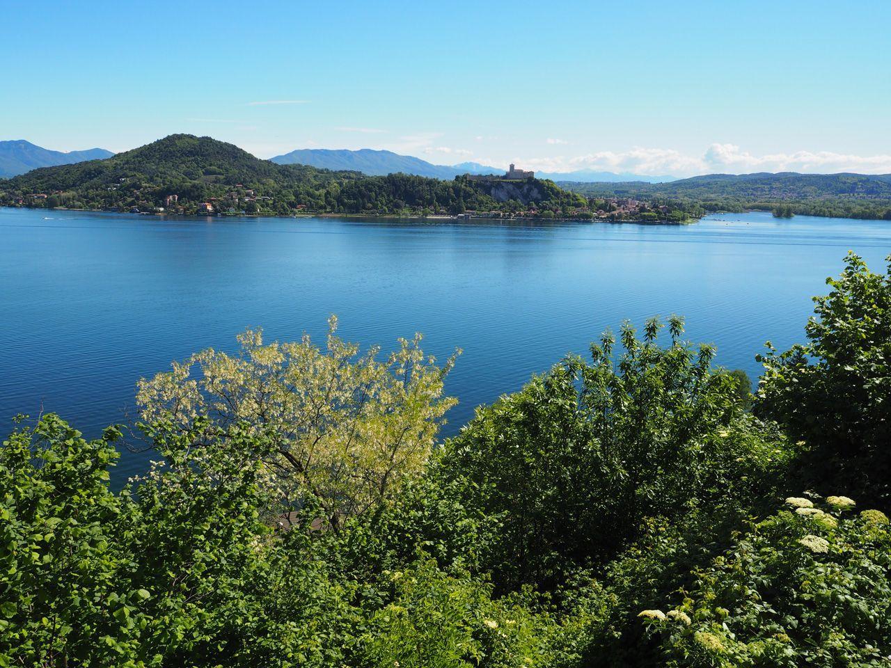 Arona villa vista lago 600mq con giardino