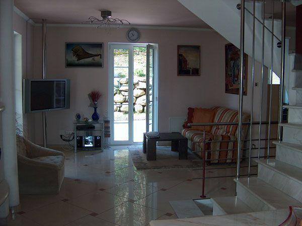 Appartamento in contesto d'epoca con garage e giardino a Baveno