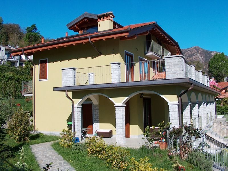Baveno appartamento vista lago in villa di  nuova costruzione  con garage