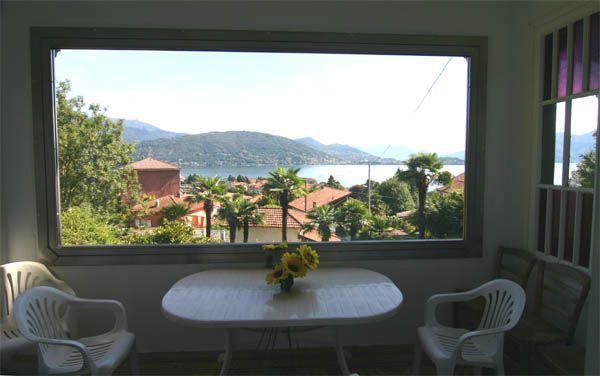 Baveno villa vista lago 300mq con giardino