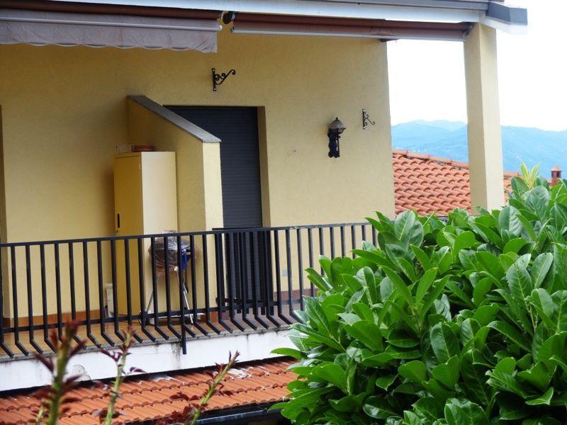 Belgirate appartamento vista lago con garage e terrazzo AA2496