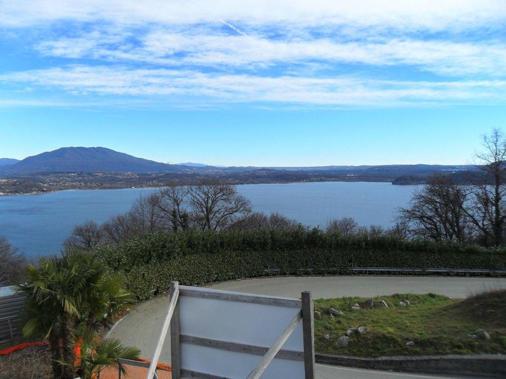 Villa unifamiliare in costruzione con stupenda vista lago in   Belgirate Lago Maggiore