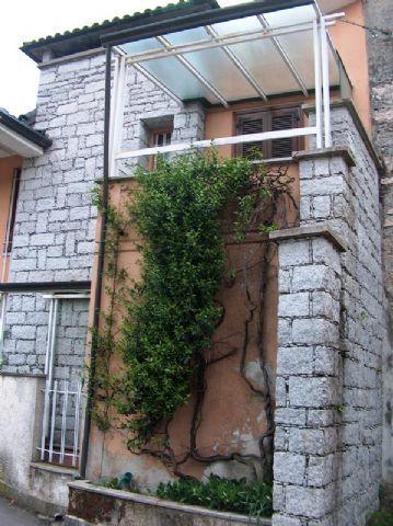 Feriolo casa 100mq, 2 camere con giardino e terrazzo