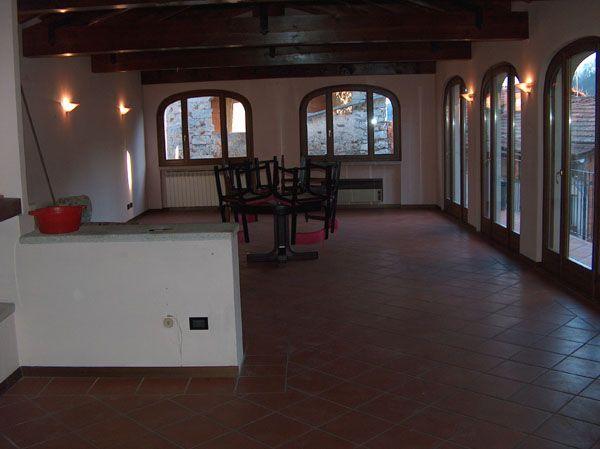 Lago d'Orta casa 400mq, 4 camere con garage