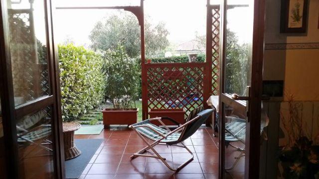 Lesa appartamento con garage e giardino AA1966