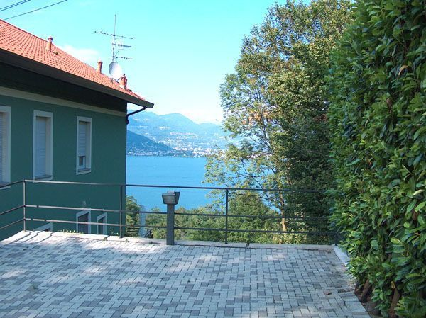 Stresa appartamento vista lago con garage e terrazzo AA1043