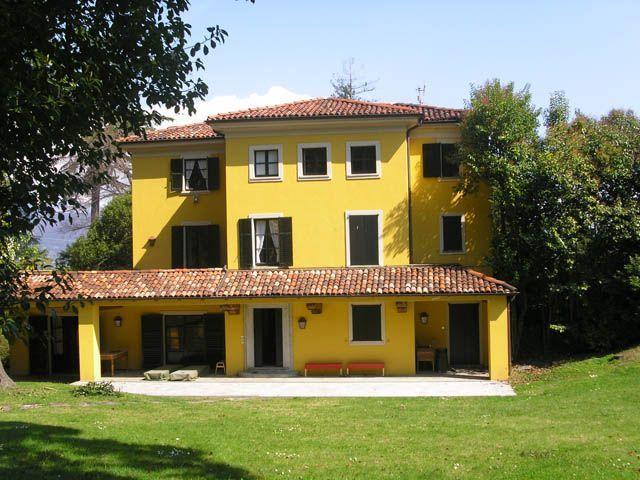Stresa villa epoca 500mq con giardino